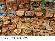 Продажа изделий из бересты. Стоковое фото, фотограф Александр Тараканов / Фотобанк Лори