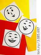 """Изображение положительных эмоций на квадратах из цветной бумаги(радость,смех,хорошее настроение)-""""палитра эмоций"""" Стоковое фото, фотограф Трошина Елена / Фотобанк Лори"""