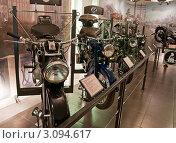 Купить «Старинные мотоциклы в Политехническом музее в Москве», эксклюзивное фото № 3094617, снято 28 января 2000 г. (c) Володина Ольга / Фотобанк Лори