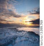 Зимний пейзаж. Облачный закат. Вид сверху. Стоковое фото, фотограф Владимир Мельников / Фотобанк Лори