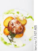 Жареное мясо с картофелем. Стоковое фото, фотограф Сергей Павлов / Фотобанк Лори