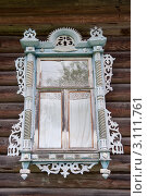 Купить «Старинное резное окно сельского дома», фото № 3111761, снято 16 сентября 2011 г. (c) Елена Писклова / Фотобанк Лори