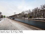 Купить «Пешеходный переход на автомагистрали», эксклюзивное фото № 3112745, снято 4 января 2012 г. (c) Зобков Георгий / Фотобанк Лори
