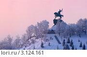 Купить «Памятник Салавату Юлаеву в Уфе — самая большая конная статуя в России», фото № 3124161, снято 4 января 2012 г. (c) Рамиль Юсупов / Фотобанк Лори