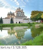 Купить «Ростовский Кремль», фото № 3128305, снято 6 июля 2010 г. (c) Максим Канунников / Фотобанк Лори