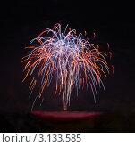 Разноцветный фейерверк в темном небе. Стоковое фото, фотограф Наталья Степанова / Фотобанк Лори