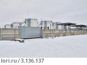 Купить «Нефтебаза в Подмосковье», эксклюзивное фото № 3136137, снято 12 января 2012 г. (c) Елена Коромыслова / Фотобанк Лори