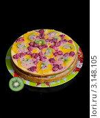 Домашний пирог с ягодами на чёрном фоне. Стоковое фото, фотограф Владислав Сернов / Фотобанк Лори