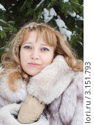 Девушка в шубе. Портрет. Стоковое фото, фотограф Оксана Лычева / Фотобанк Лори