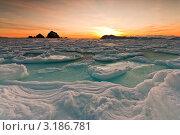 Купить «Рассвет на зимнем море», фото № 3186781, снято 16 января 2010 г. (c) Антон Афанасьев / Фотобанк Лори