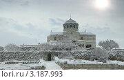 Купить «Владимирский собор, Херсонес», видеоролик № 3187993, снято 27 января 2012 г. (c) Артем Поваров / Фотобанк Лори