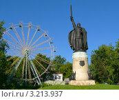 Купить «Муром, памятник Илье Муромцу в городском парке», фото № 3213937, снято 14 июня 2006 г. (c) Анна Мартынова / Фотобанк Лори