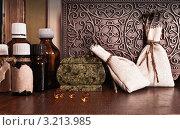 Купить «Натюрморт с мешочками и бутылочками с лекарствами», фото № 3213985, снято 17 марта 2011 г. (c) Инга Дудкина / Фотобанк Лори