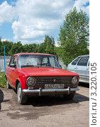 Купить «Ваз 2101», эксклюзивное фото № 3220105, снято 10 июня 2011 г. (c) Володина Ольга / Фотобанк Лори