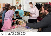 Купить «Православная воскресная школа. Урок», эксклюзивное фото № 3238333, снято 5 февраля 2012 г. (c) Дмитрий Неумоин / Фотобанк Лори