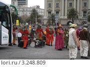 """Карнавал. Праздник """"Трёх королей"""" в Барселоне 2012г, Испания. Подготовка к празднику. Редакционное фото, фотограф Ирина Батюта / Фотобанк Лори"""
