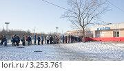 Купить «Очередь на каток», эксклюзивное фото № 3253761, снято 29 января 2012 г. (c) Parmenov Pavel / Фотобанк Лори