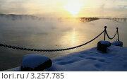 Купить «Туман над Енисеем. Красноярск», видеоролик № 3257785, снято 14 февраля 2012 г. (c) Юрий Пономарёв / Фотобанк Лори