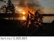 Костер на закате. Стоковое фото, фотограф Вячеслав Костылев / Фотобанк Лори