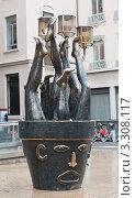 Купить «Необычная скульптура. Лион. Франция», фото № 3308117, снято 24 февраля 2012 г. (c) Екатерина Овсянникова / Фотобанк Лори