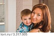 Портрет матери и ребенка. Стоковое фото, фотограф Сергей Высоцкий / Фотобанк Лори