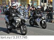 Полиция на карнавале (2011 год). Редакционное фото, фотограф Павел Михеев / Фотобанк Лори
