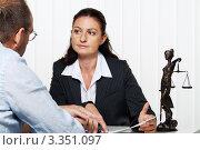 Купить «На приеме у юриста», фото № 3351097, снято 3 августа 2019 г. (c) Erwin Wodicka / Фотобанк Лори
