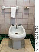 Купить «Унитаз в туалетной комнате», фото № 3351785, снято 20 февраля 2019 г. (c) Erwin Wodicka / Фотобанк Лори