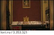 Купить «Свечи в церкви», видеоролик № 3353321, снято 16 марта 2012 г. (c) Алексас Кведорас / Фотобанк Лори