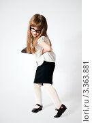 Девочка в очках. Стоковое фото, фотограф Юлия Гусакова / Фотобанк Лори