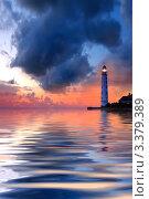 Купить «Ночной морской пейзаж с маяком и грозовым небом на закате», фото № 3379389, снято 18 марта 2019 г. (c) Sea Wave / Фотобанк Лори