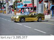 Купить «Виды города Анапы, ретроавтомобиль», фото № 3395317, снято 13 июня 2011 г. (c) Володина Ольга / Фотобанк Лори