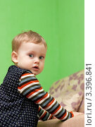 Ребенок в комнате. Стоковое фото, фотограф Маргарита Волгина / Фотобанк Лори