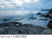 Купить «Ночной морской пейзаж с маяком», фото № 3405689, снято 29 мая 2020 г. (c) Sea Wave / Фотобанк Лори