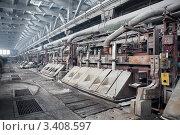 Электролитические ванны для производства алюминия на Волховском алюминиевом заводе. Стоковое фото, фотограф Кекяляйнен Андрей / Фотобанк Лори