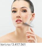 Купить «Девушка с идеальной здоровой кожей без прыщей», фото № 3417561, снято 2 апреля 2012 г. (c) Константин Юганов / Фотобанк Лори