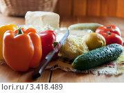 Купить «Ингредиенты для салата», фото № 3418489, снято 5 июня 2011 г. (c) Дарья Филимонова / Фотобанк Лори