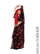Купить «Танцующая молодая женщина в наряде цыганки», фото № 3420629, снято 25 мая 2010 г. (c) Сергей Сухоруков / Фотобанк Лори