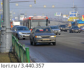Транспорт едет по Щелковскому шоссе. Москва, эксклюзивное фото № 3440357, снято 15 апреля 2012 г. (c) lana1501 / Фотобанк Лори
