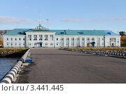 Купить «Порт Мурманска», фото № 3441445, снято 3 октября 2011 г. (c) Валерий Шанин / Фотобанк Лори