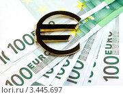 Купить «Знак евро на денежных купюрах», фото № 3445697, снято 8 ноября 2011 г. (c) ElenArt / Фотобанк Лори