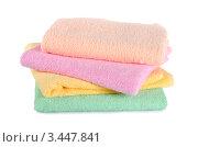 Купить «Разноцветные полотенца на белом фоне», фото № 3447841, снято 25 июня 2011 г. (c) Воронин Владимир Сергеевич / Фотобанк Лори