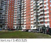 Купить «Дом № 12 по улице Новокосинская, Москва», эксклюзивное фото № 3453525, снято 17 апреля 2012 г. (c) lana1501 / Фотобанк Лори