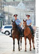 Купить «Конная полиция», фото № 3499677, снято 20 июля 2011 г. (c) Дмитрий Калиновский / Фотобанк Лори