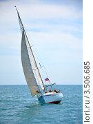 Регата в крейсерских классах яхт, Сочи (2011 год). Редакционное фото, фотограф Анна Мартынова / Фотобанк Лори