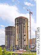 Купить «Строительство высотного жилого комплекса «Островцы»», фото № 3507565, снято 11 мая 2012 г. (c) Владимир Сергеев / Фотобанк Лори