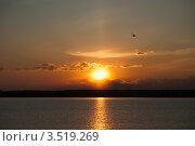Рассвет на водохранилище. Стоковое фото, фотограф Юлия Гладышева / Фотобанк Лори