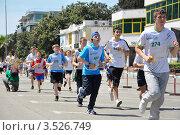 """Купить «Сочи, всероссийская акция """"Зеленый марафон"""". Участники забега.», фото № 3526749, снято 19 мая 2012 г. (c) Анна Мартынова / Фотобанк Лори"""