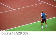 Купить «Выступление Николая Давыденко на Кремлевском Кубке по теннису, 2008 год», видеоролик № 3529009, снято 16 октября 2008 г. (c) Losevsky Pavel / Фотобанк Лори
