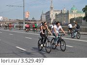 Купить «Москва, 20 мая. Велопарад Let's bike it!», эксклюзивное фото № 3529497, снято 20 мая 2012 г. (c) lana1501 / Фотобанк Лори